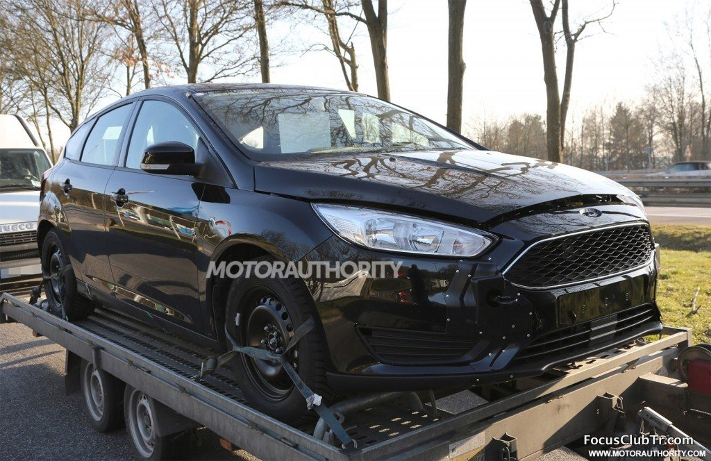 2018 Ford Focus Spy Shot 3.jpg