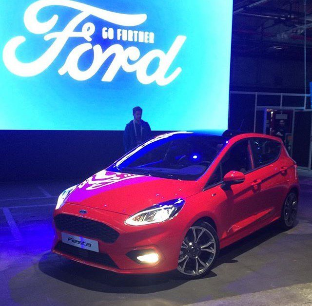 2017 Ford Fiesta5.jpg