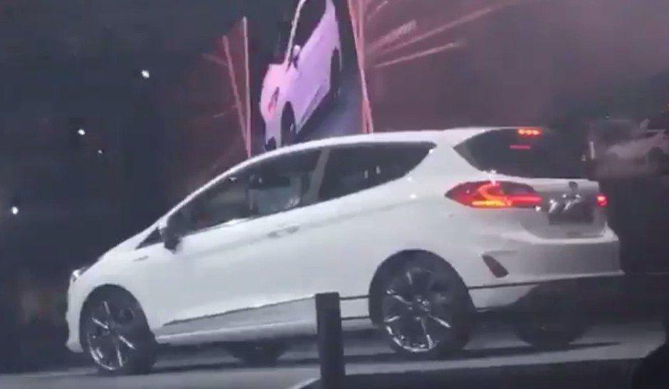 2017 Ford Fiesta9.jpg
