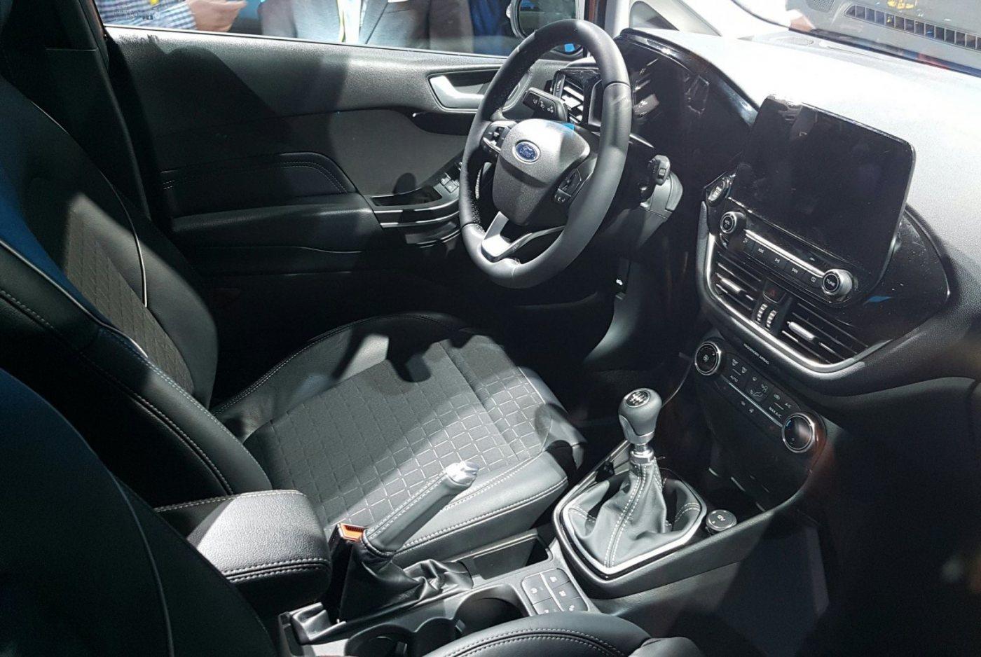 2017 Ford Fiesta 13.jpeg