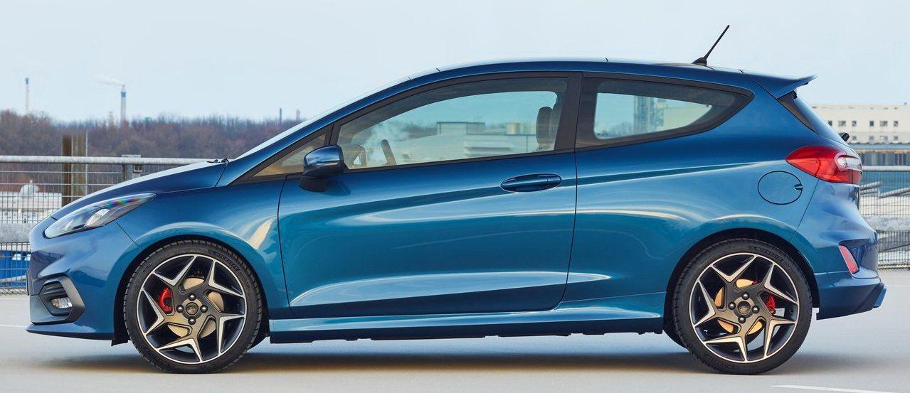 Ford-Fiesta_ST-2018-1280-07.jpg