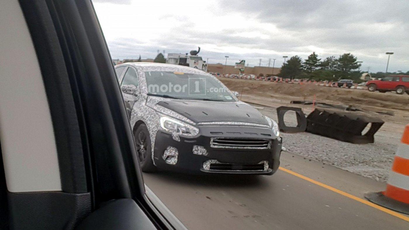 2019-ford-focus-five-door-spy-shots-3.jpg