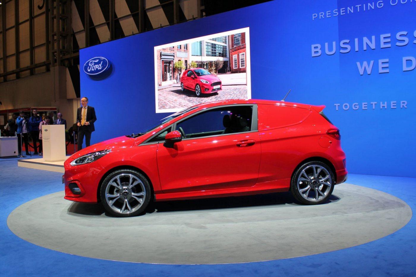 03-Ford-Fiesta-Van-2018.jpg
