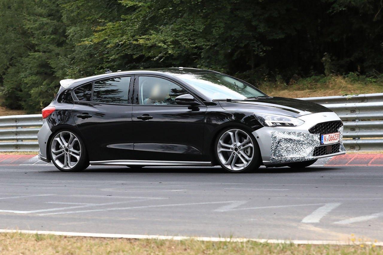 2019 Ford Focus Mk4 ST Spy5.jpg