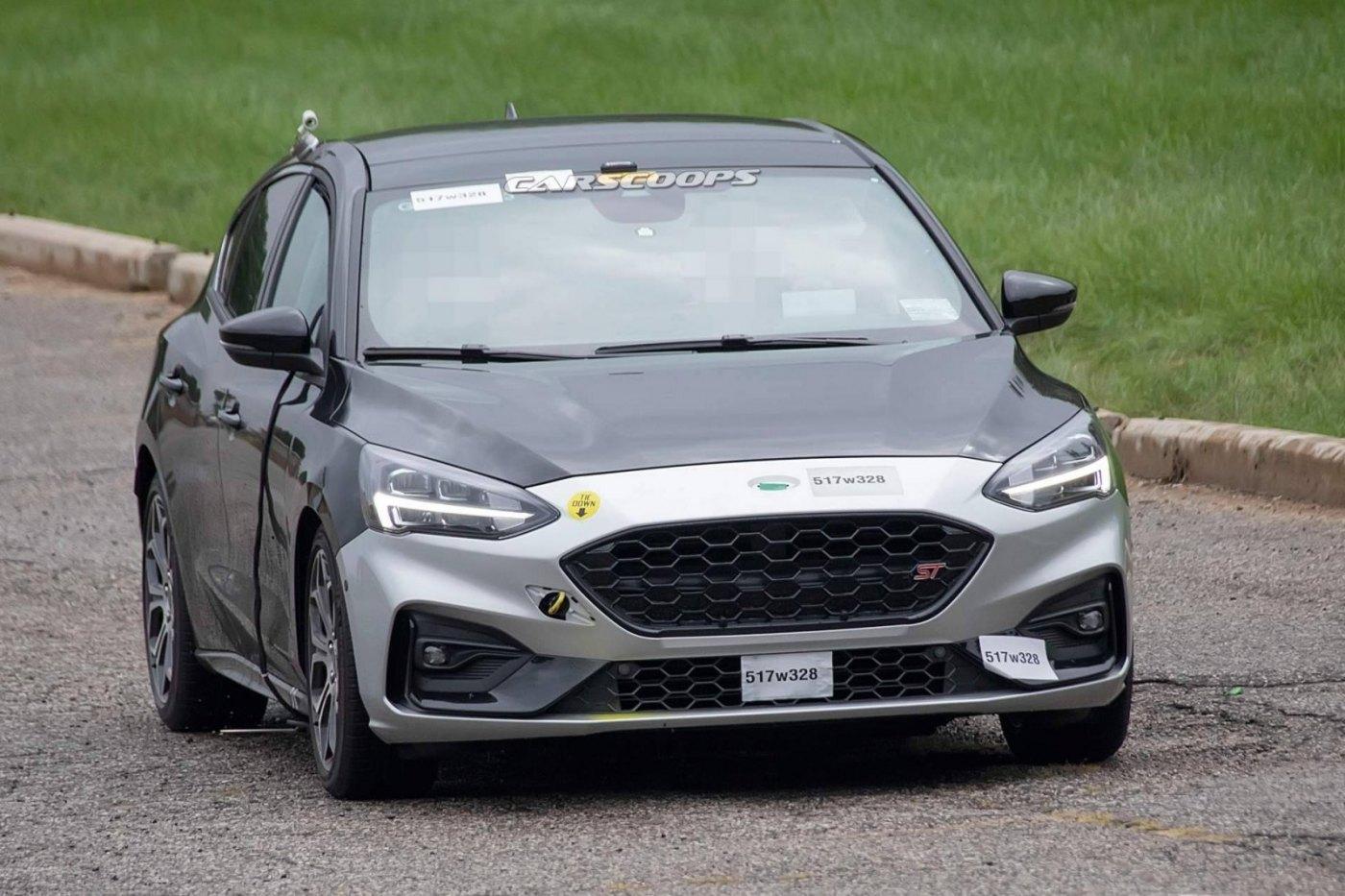 59233a50-2019-ford-focus-st-spy-shots-2.jpg