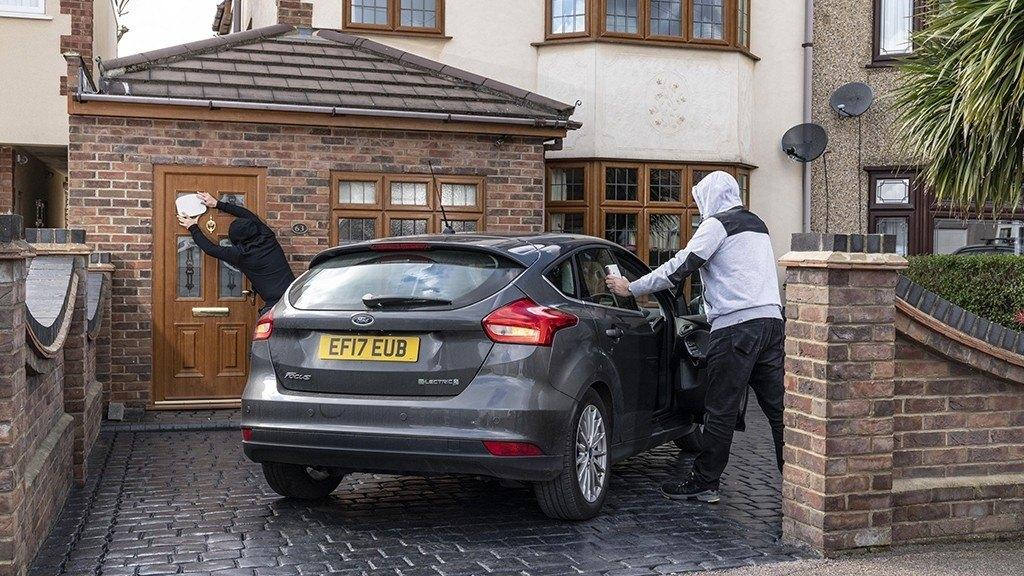 Anahtarsız Girişli Araba Hackerlarına Karşı Savaşıyor3.jpg
