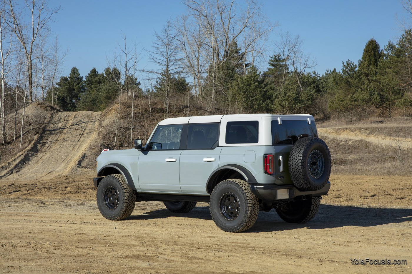 Bronco_4dr_features_06.jpg